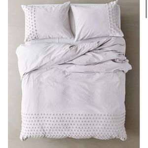 Urban outfitters Tufted Dot Duvet Cover Grey King